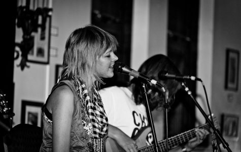 Catherine Medin sang lead vocals for Breakthrough at the band's performance last Thursday. Kyle Kotajarvi/Winonan