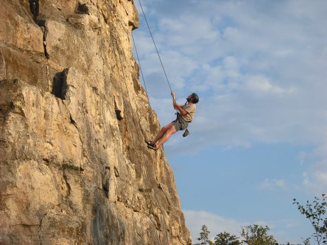 A student climbs Sugarloaf as part of the OERC program. Abby Peschges/Winonan