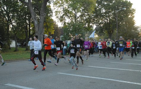 700 runners waddle for WSU track and field
