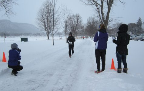 Runners brave weather for 5k