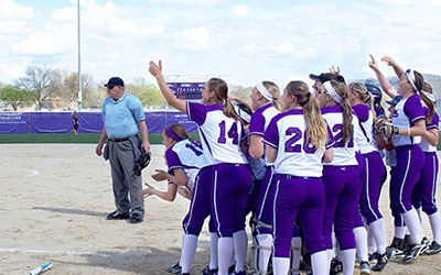 Softball wins five of six games, moves 35-15 overall
