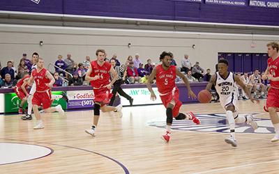 Men's basketball starts season 3-1 overall
