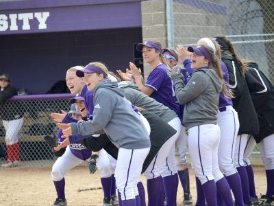 Softball ends week with four wins