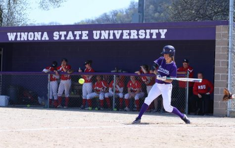 Softball takes victory in doubleheader
