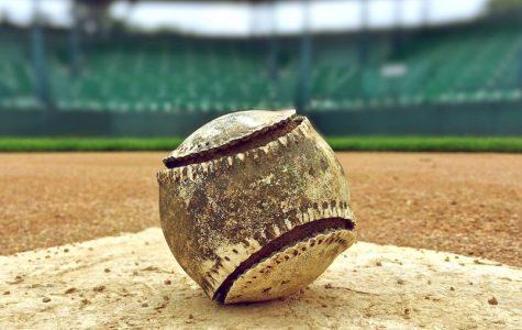 Baseball wins one, loses three against Huskies