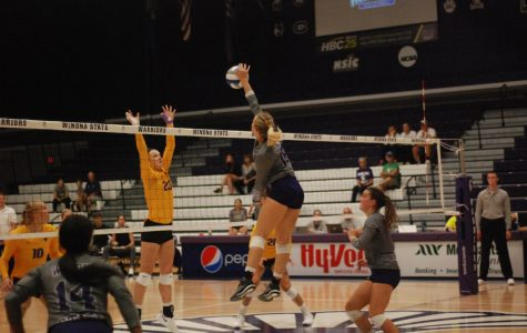 Volleyball still winless in conference play