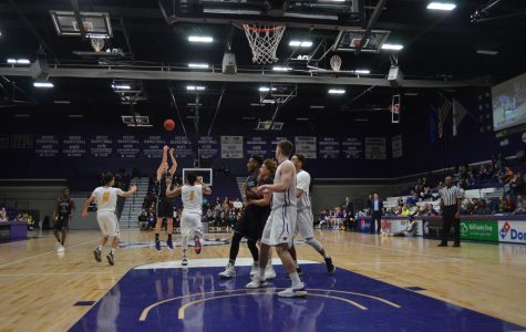 Men's basketball takes down No. 1 Mankato