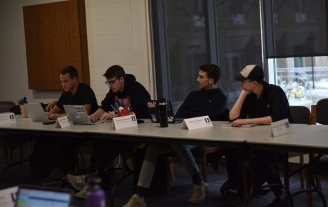 Student Senate meets in Rochester