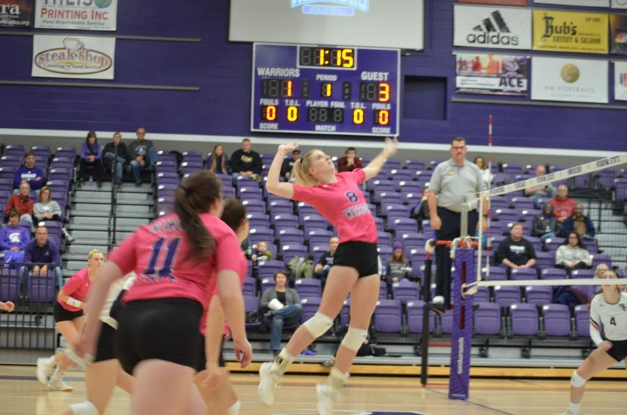 Junior+Megan+Flom+moves+to+spike+against+Minot+State+University+on+Saturday%2C+Oct.+26+in+the+McCown+Gymnasium.+