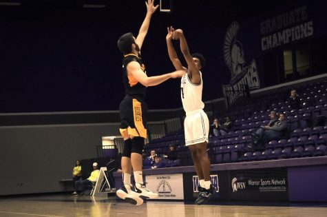 Women's basketball ends losing streak