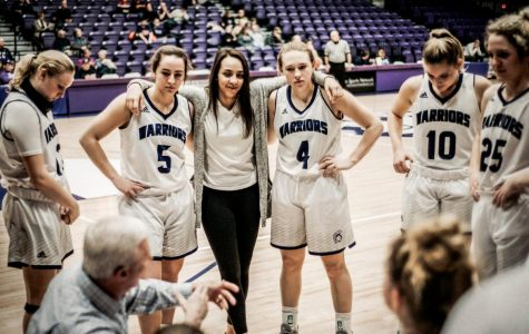 Women's basketball take last home games